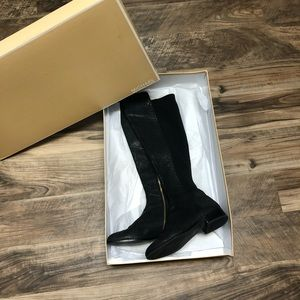 New Micheal Kors Snake Skin Black Tall Boot sz 10✨